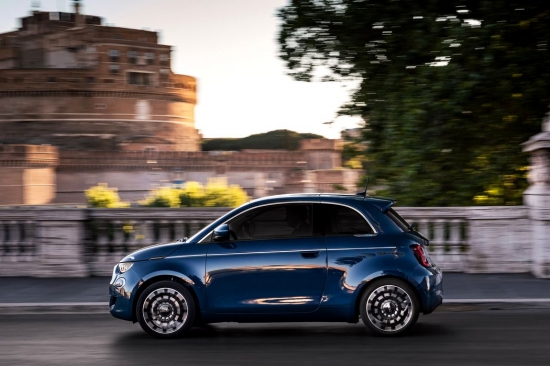 Fiat releases a new version of the 500 EV